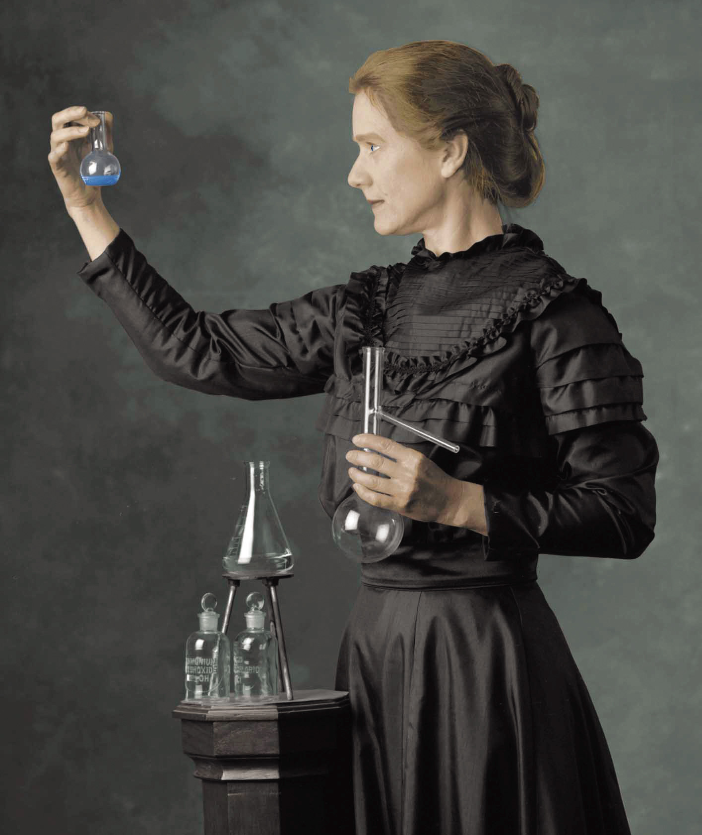 http://djunaedird.files.wordpress.com/2011/11/marie_curie_color.jpg