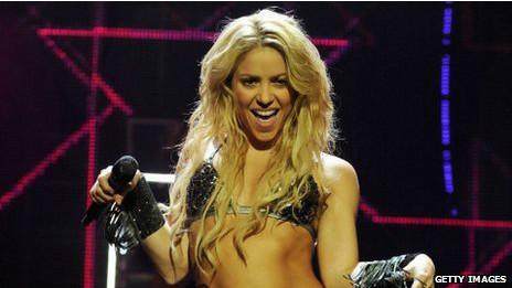 Lagu Shakira, Waka Waka, menjadi lagu resmi Piala Dunia Afrika Selatan