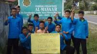 Foto anak-anak pesantren dari Kiblatnet, salah satu situs yang telah dibuka lagi.